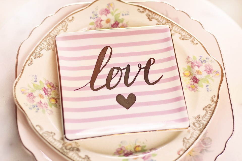 Vintage Inspired Valentines Tablescape