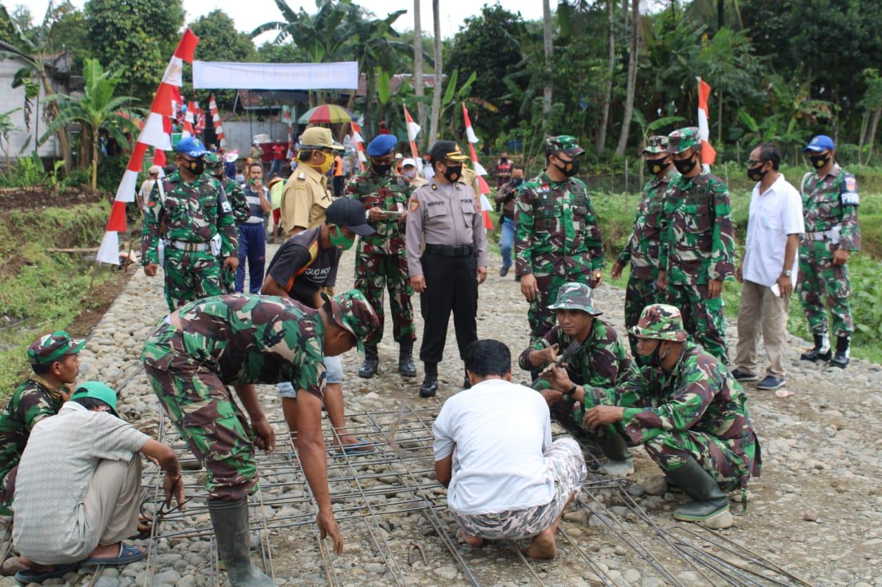 PembukaanTMMD Sengkuyung tahap III Kodim 0702 Purbalingga di Desa Karangturi