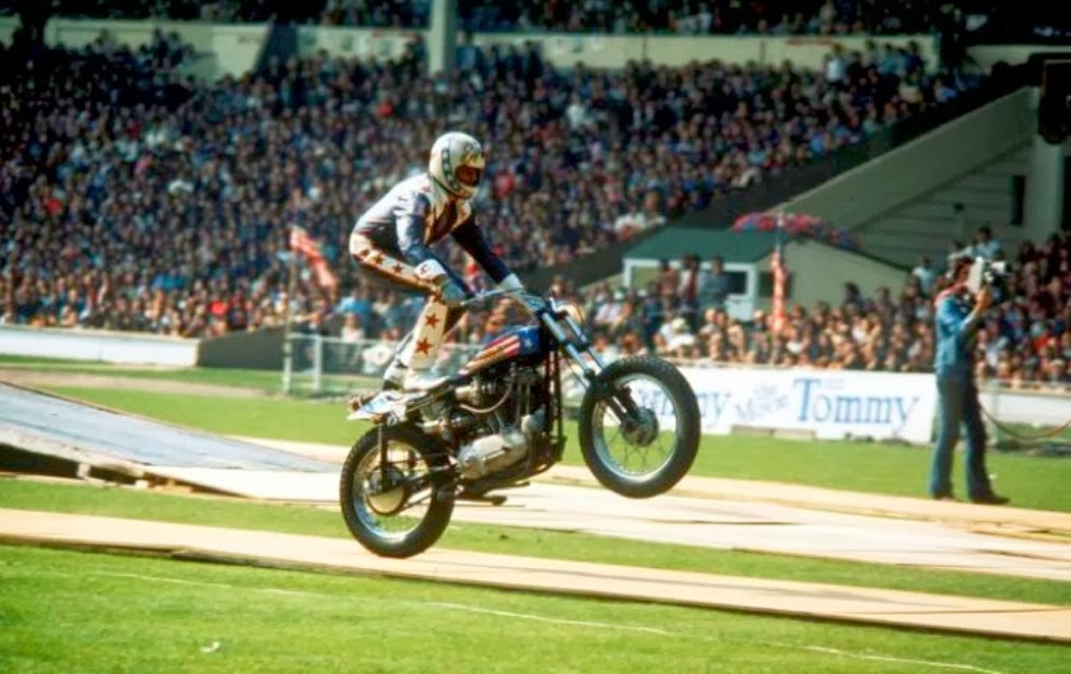 Evel Knievel Motorcycle Daredevil Jumper On His Harley: Clasp Garage: Evel Knievel And His Wembley Stadium Bus Jump