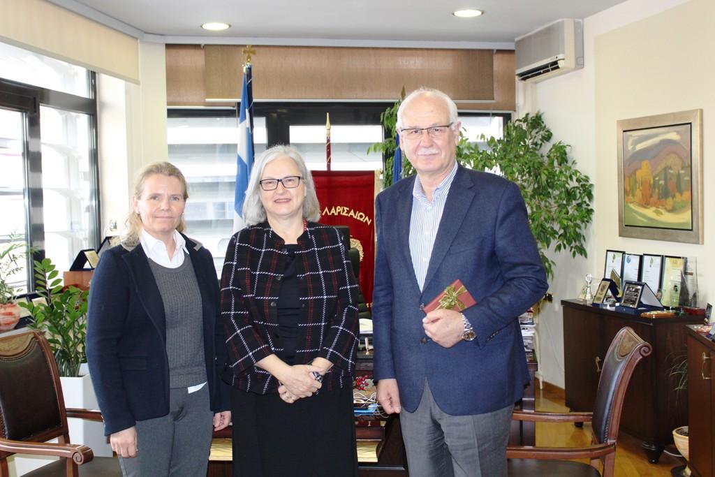 Στο Δημαρχείο της Λάρισας η πρέσβης της Αυστρίας