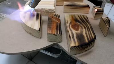 إستخدام البشبوري في حرق سطح الخشب لعمل مظهر خارجي جميل