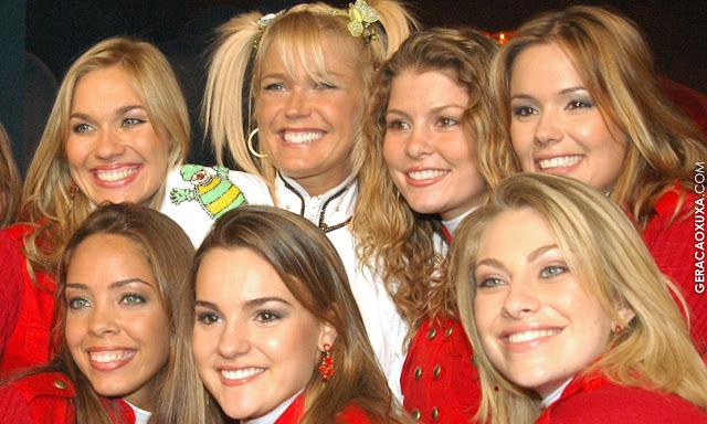 Xuxa canta em trio de carnaval com Paquitas