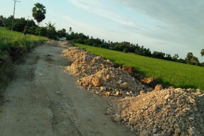 Jalan Rusak Cakkeware-Labotto Akhirnya Siap Diperbaiki