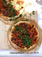 http://salzkorn.blogspot.fr/2015/08/auberginentrend-15-auberginen-pizza.html