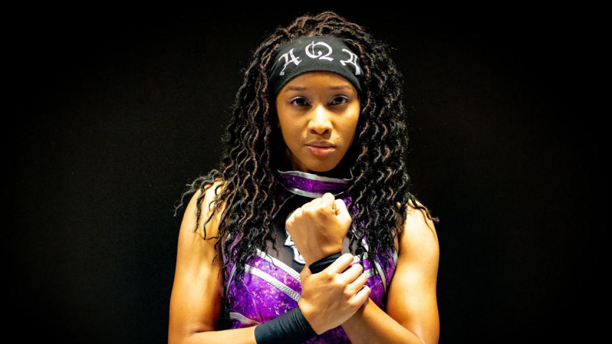 Booker T afirma que a WWE contratou sua aluna AQA