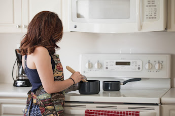 10 types of solution in the kitchen used by ladies while making food