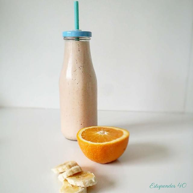 Smoothie de naranja y pl�tano