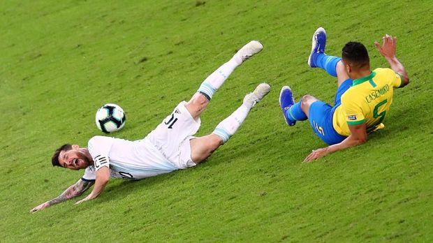 Berikut Alasan McMenemy Memilih Van Dijk Ketimbang Messi Dan Ronaldo 2019
