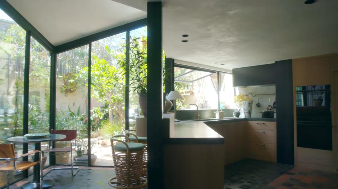 39 Interior Design Photos vs. Troye Sivan's Victorian-Era Melbourne Home Tour