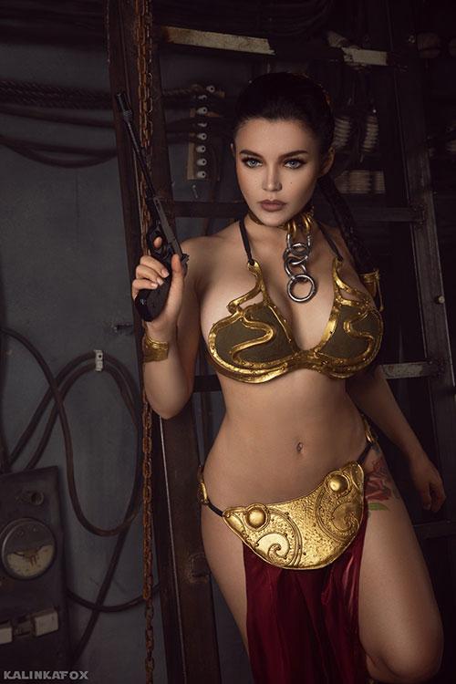 Kalinka con su cosplay de Leia  esclava de Jabba.