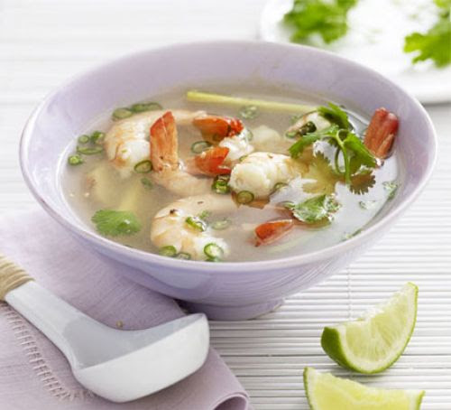 Tom yum (hot & sour) soup with prawns ~ All Type of blogging Tips