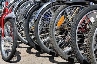 Cycle repair store