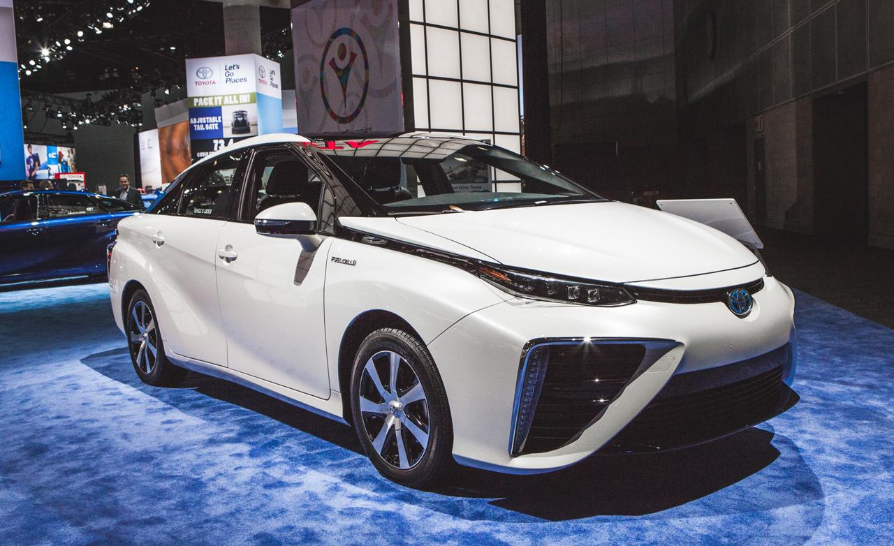 2016 Toyota Mirai Fuel Cell Sedan Debuts