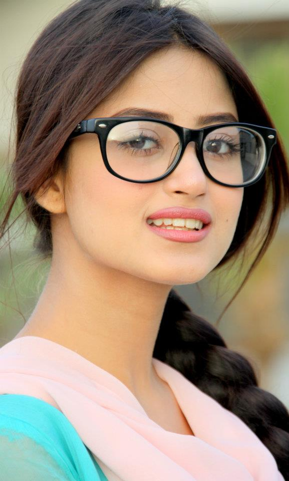 Pakistani Heroine Sexy Photo