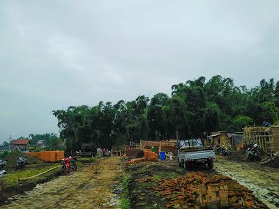 Aktivitas pembangunan rumah villa Exotic Panderman Hill Batu Malang