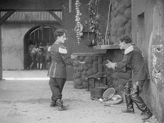 "Кадр из фильма Чарли Чаплина ""Пародия на Кармен"" / Burlesque on Carmen (1916) - 17"