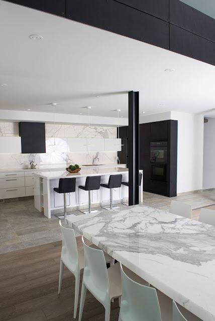 cocina-blanca-y-negra-con-isla-Secter-Design11