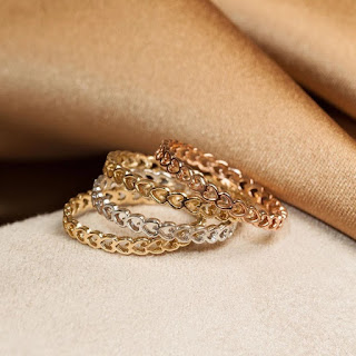 Alt = 4 heart shaped stackable rings