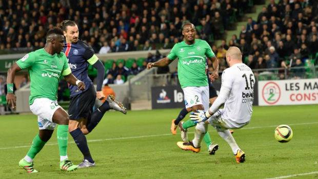 Zlatan Ibrahimovic lors de son but contre l'AS Saint-Etienne