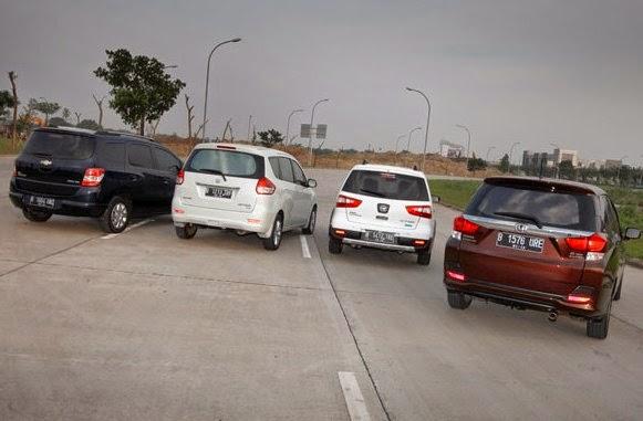Grand New Veloz Vs Ertiga Toyota Yaris Trd Malaysia Komparasi Tenaga Mobilio Avanza Xenia Mobilku Org Munculnya Berbagai Varian Mobil Low Mpv Seperti Great Tentunya Membuat Persaingan Dalam Hal Adu Juga