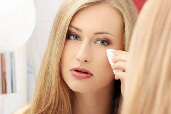 This Bad Habits Can Damage Your Facial Skin