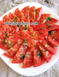 помидоры в мятно-чесночном маринаде