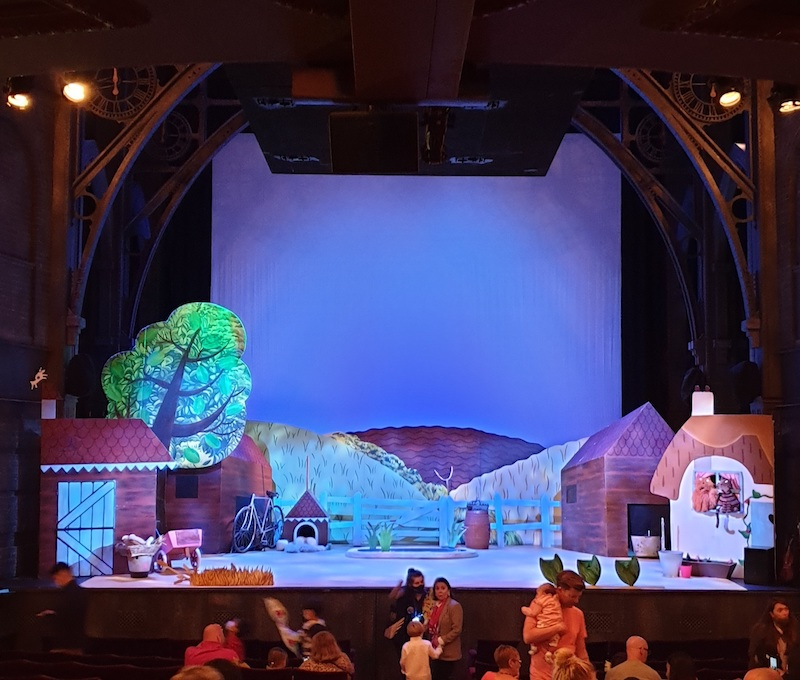 stage palace theatre ladybird show