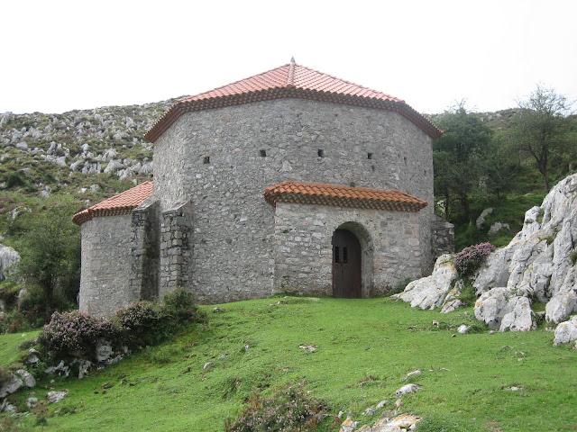 Rutas Montaña Asturias: Ermita de la Magdalena en el Monsacro