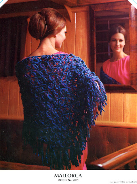 The Vintage Pattern Files: 1960s Free Crochet Pattern - Mallorca Shawl