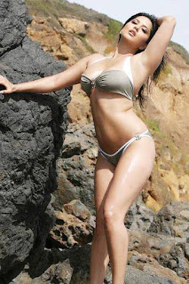 Sunny leone Hot Bikini Photo Shoot