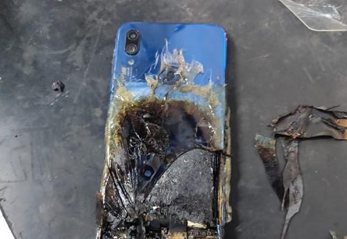 Xiaomi Redmi Note 7s Got Exploded