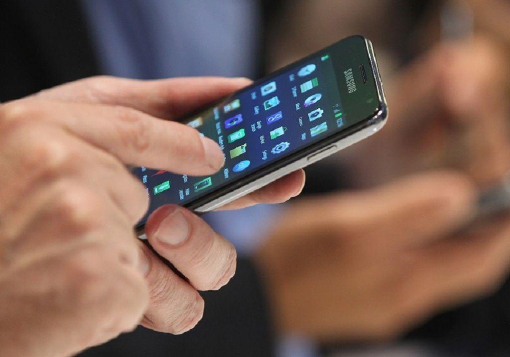 Κατάργηση των sms για τις μετακινήσεις ζητάει το ΜέΡΑ25
