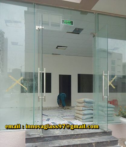 Pintu Kaca Frameless Tempered