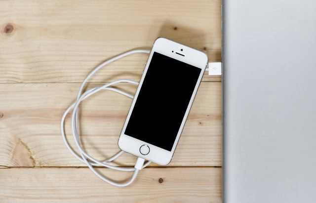 5 proven ways to charge your iPhone faster
