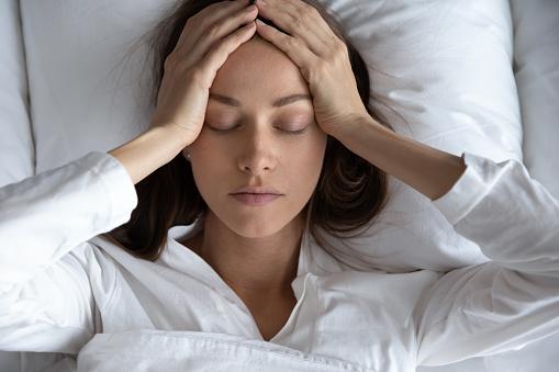 आधासीसी/माईग्रेन क्या है, आधासीसी के दर्द का घरेलू इलाज | What is Migraine, Symptoms, And Home Remedies for Migraine