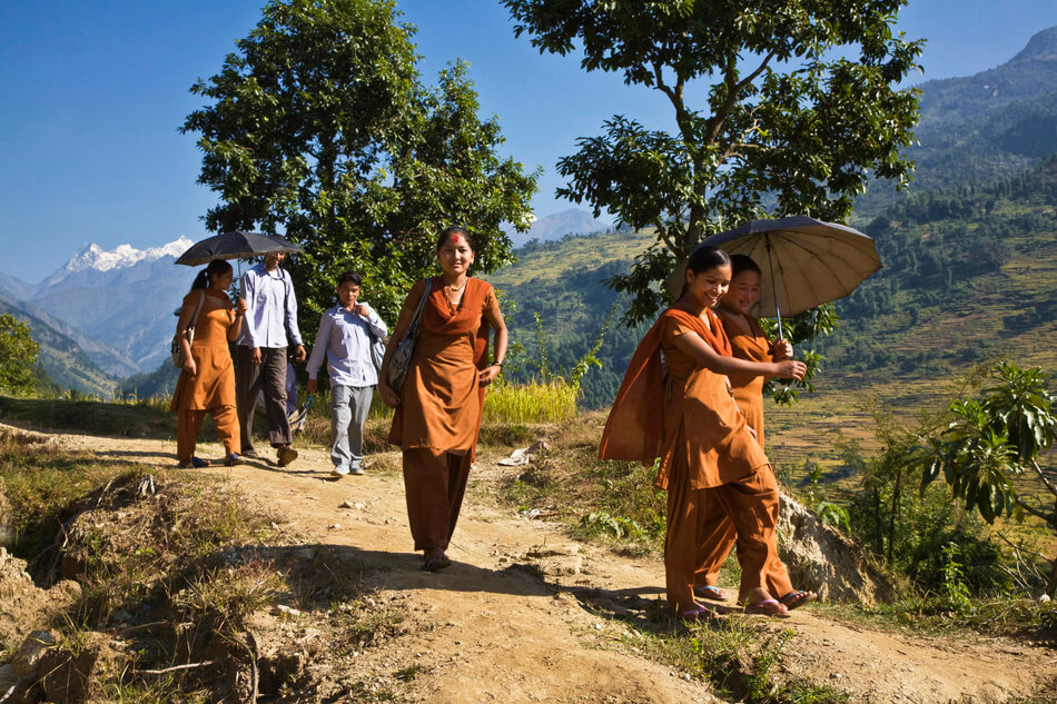 55 Stunning Photographs Of Girls Going To School In Different Countries - Nepal