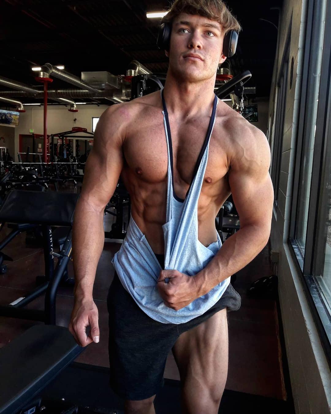 young-gym-hunk-jason-bjarnson-swole-muscular-body-sexy-strong-alpha-bad-boy