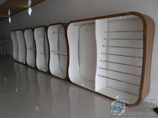 Harga Furniture Etalase  Pakaian + Furniture Semarang