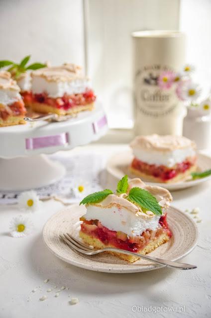 Rabarbarotka - ciasto z rabarbarem i bezą