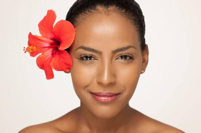 فائدة فوائد الكركديه الصحية والجمالية Hibiscus-skin.jpg