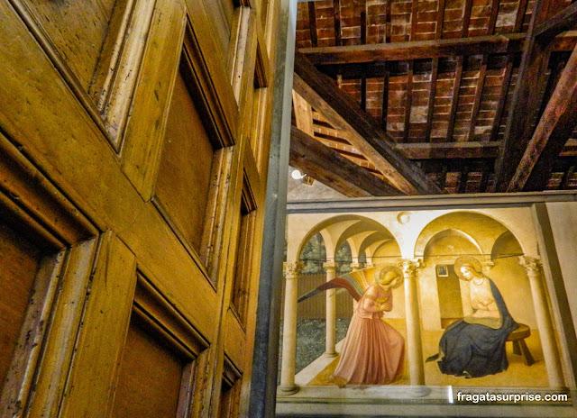 """""""A Anunciação"""", afresco de Fra Angelico, Museu de San Marco, Florença"""