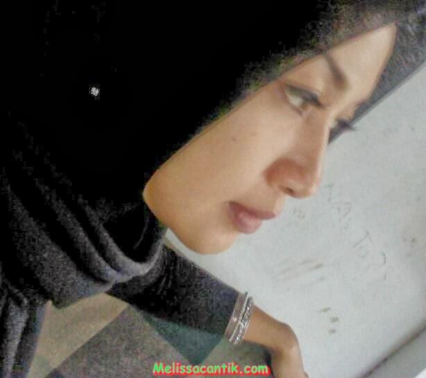 Foto Tante Girang Berkerudung Bisa Diajak Kencan (Cantik Hot