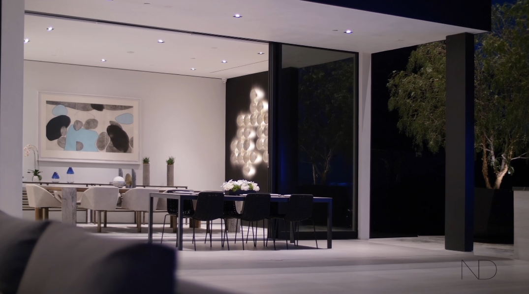 77 Photos vs. Tour 1677 N Doheny Dr, Los Angeles, CA Ultra Luxury Mansion Interior Design