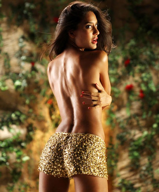 And This Post Is Entitled Top Bollywood Actresses And Their Sexy Backless Pics Now Just Have A Look At This Below And Share It On Social Media And Get