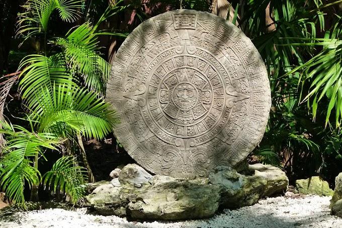 El amuleto del calendario azteca