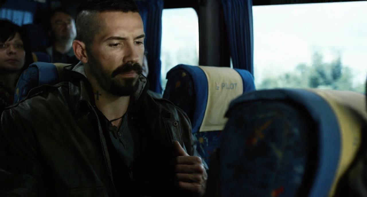 Boyka: Invicto 4 (2016) HD 720p Español Latino - Ingles captura 1
