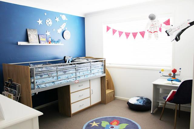 Heidi Swapp Neon decor in a boy's room