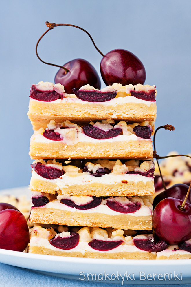 ciasto z serem i owocami