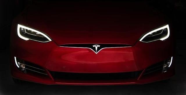 لماذا تحتكر تيسلا سوق السيارات الكهربائية؟