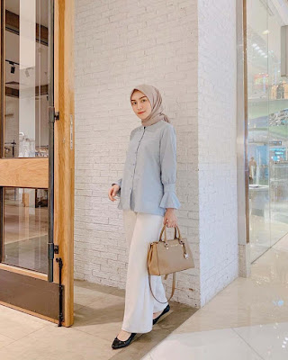 Melody Prima pamer jilbab semi kasula ke kampus